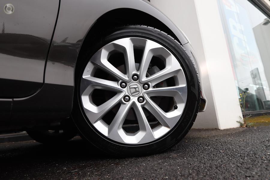2014 Honda Accord VTi-L 9th Gen