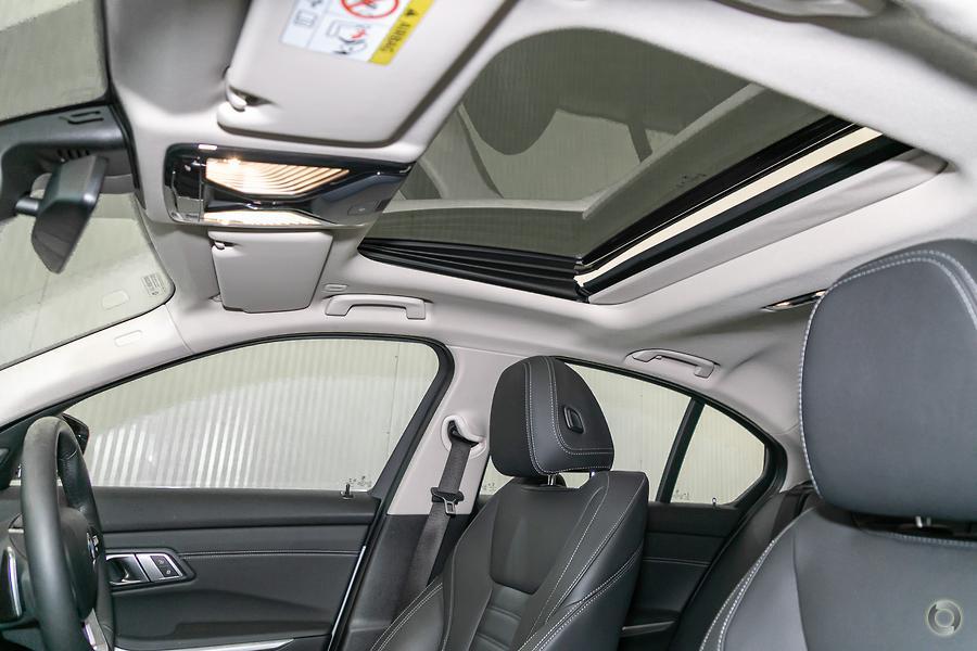 2019 BMW 320d Luxury Line