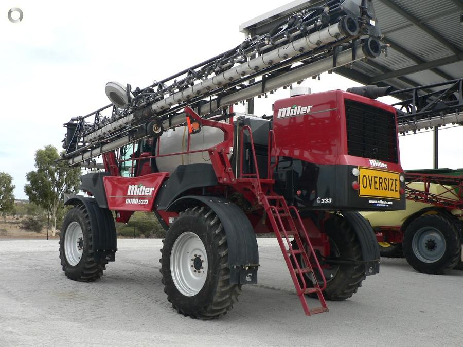 2016 Miller Nitro 5333 Sprayer