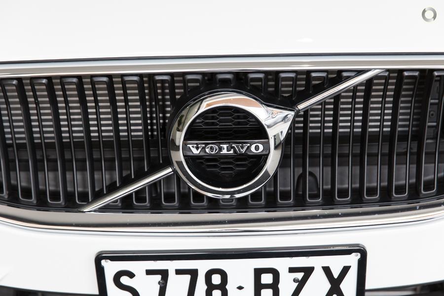 2019 Volvo V60 T5 Momentum (No Series)