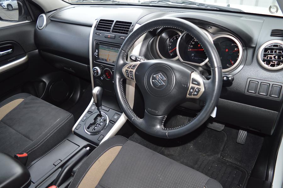 2014 Suzuki Grand Vitara Navigator JB
