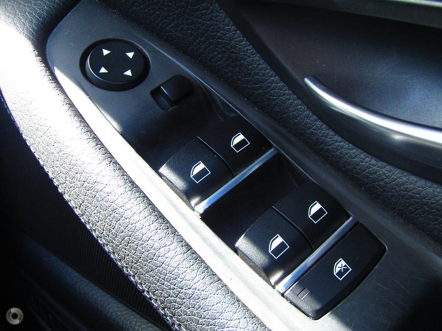 2012 BMW 520d  F10