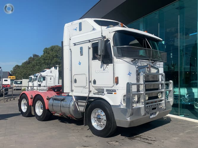 2000 Kenworth K104 *VERY RECENT FULL OUT OF CHASSIS REBUILD*