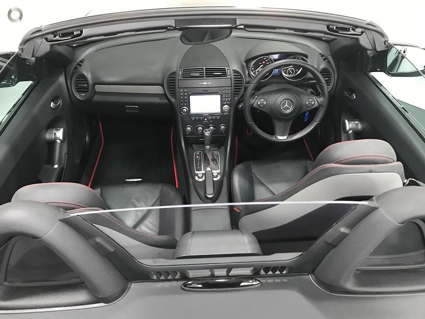 2010 Mercedes-Benz SLK 300 Roadster