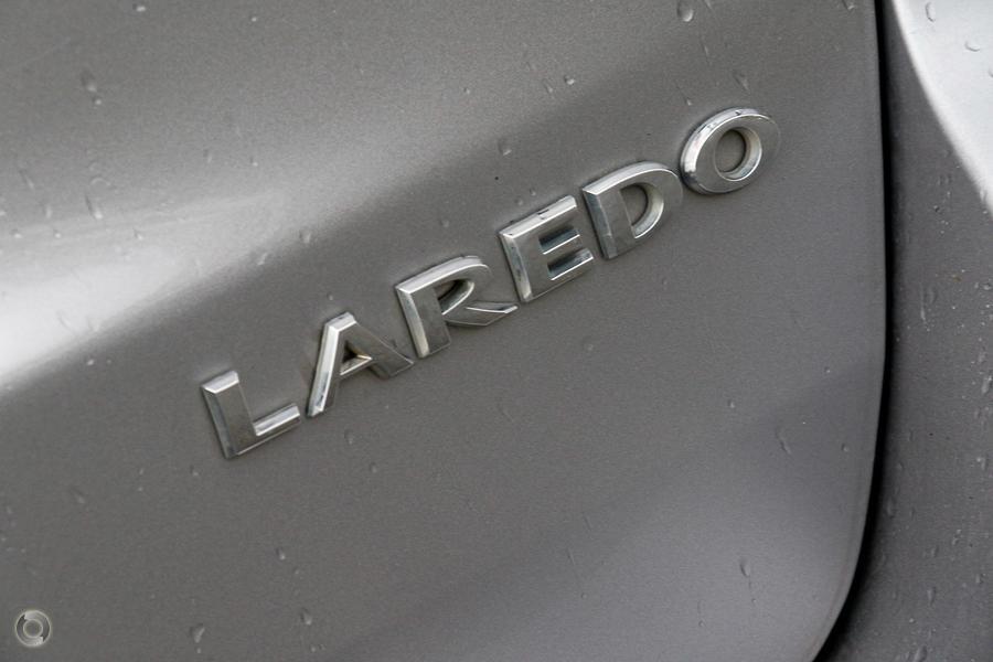 2013 Jeep Grand Cherokee Laredo WK
