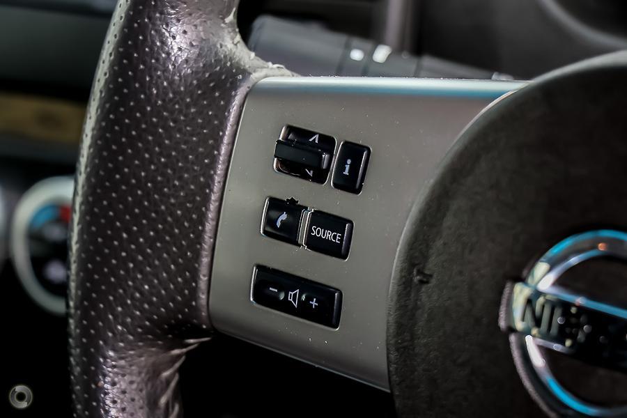 2014 Nissan Navara ST-X D40 Series 5