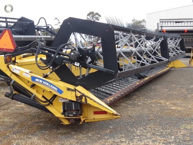 2012 New Holland 94C42G Grain Belt Front