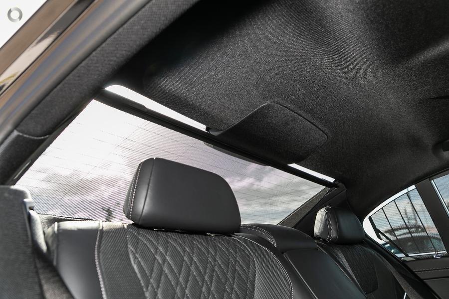 2018 BMW 740i