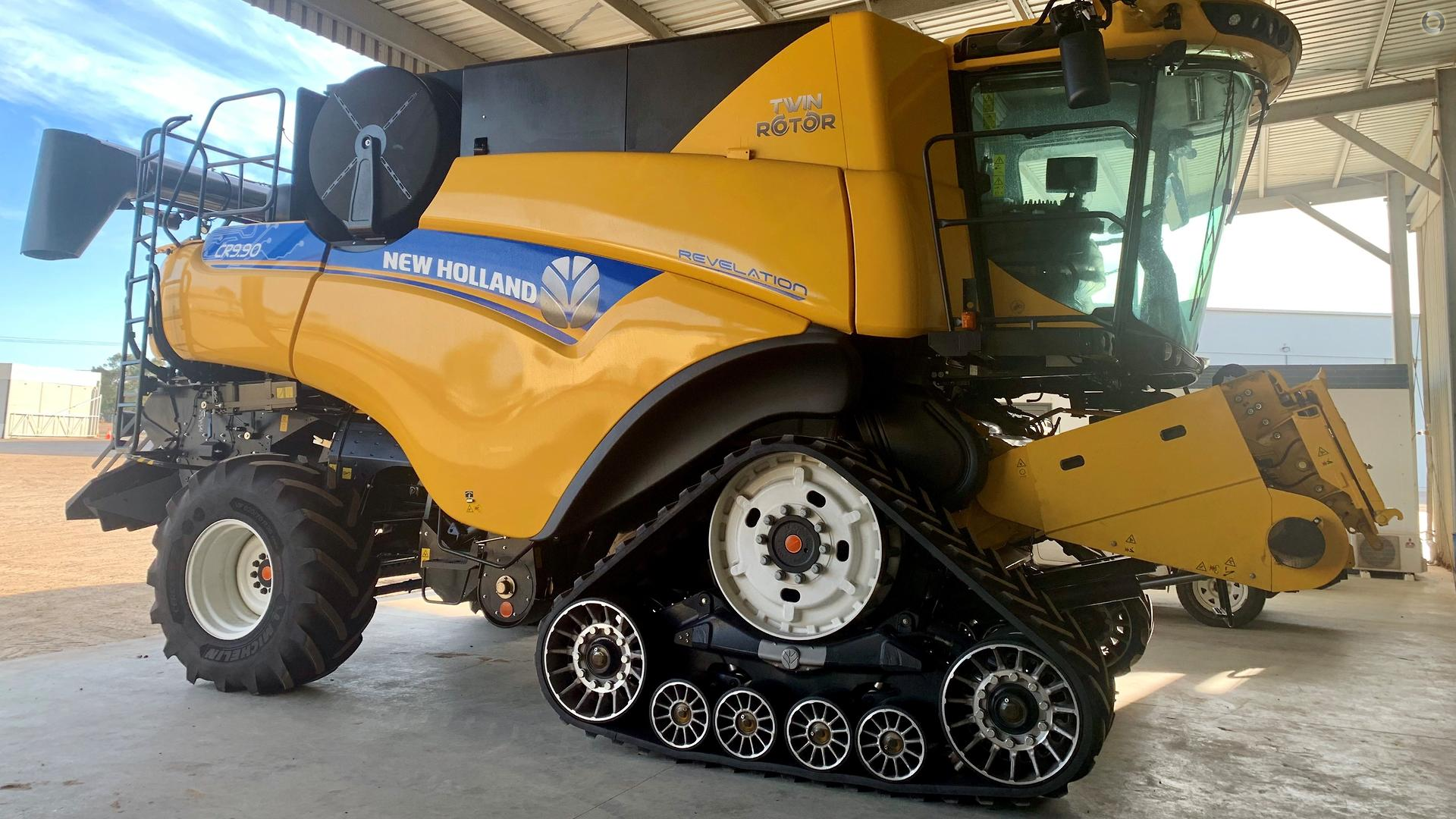 2019 New Holland CR9.90 Combine Harvester