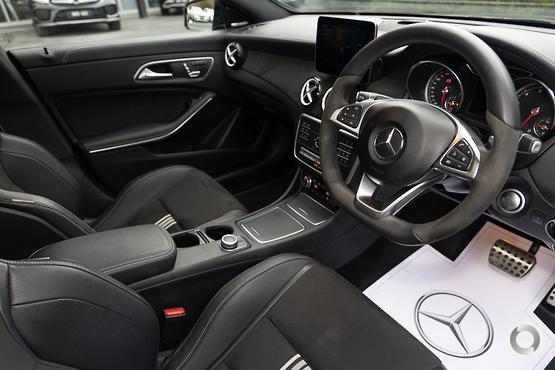 2017 Mercedes-Benz CLA 250 SPORT