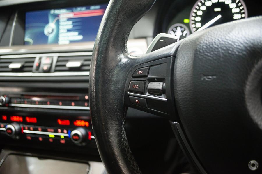 2014 BMW 520d Modern Line F10 LCI
