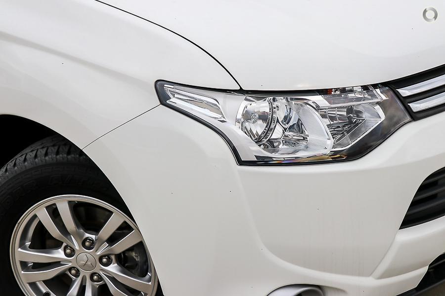 2013 Mitsubishi Outlander LS ZJ