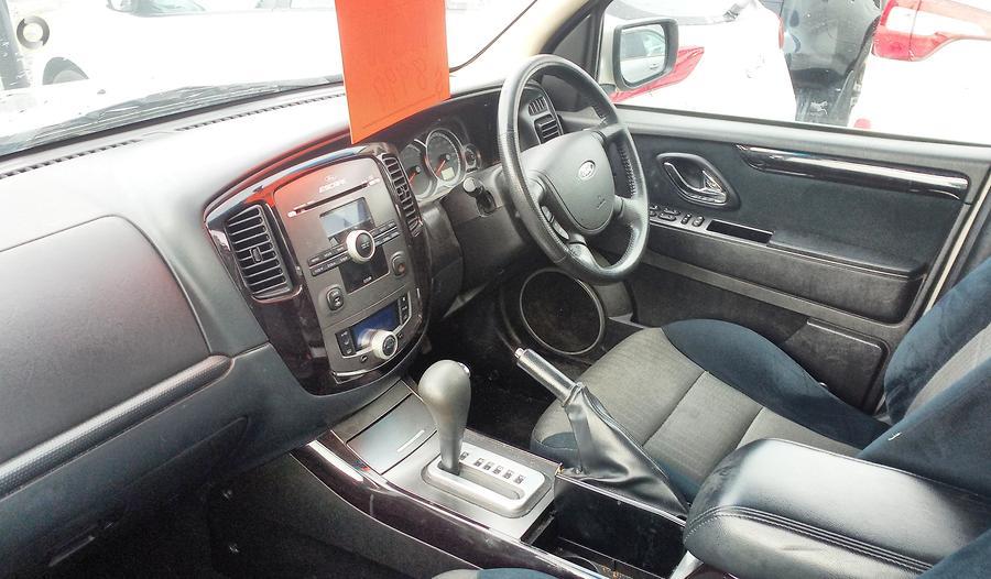 2010 Ford Escape  ZD