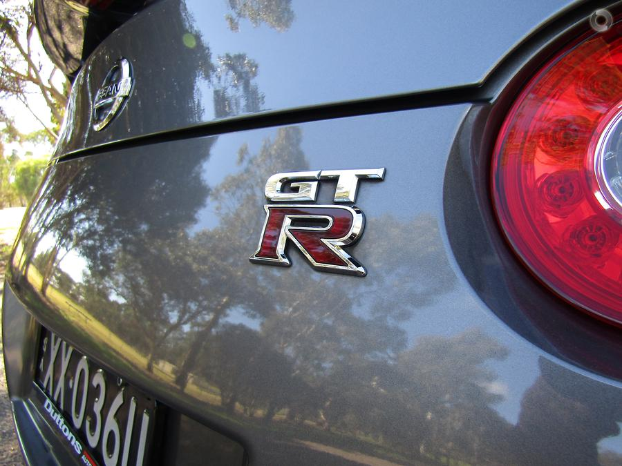 2009 Nissan GT-R Premium R35