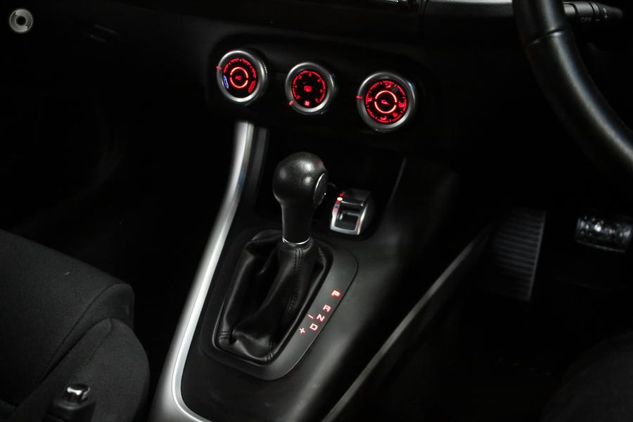 2014 Alfa Romeo Giulietta Distinctive Series 1