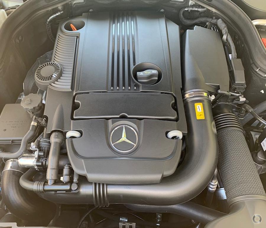 2011 Mercedes-Benz E250 BlueEFFICIENCY Avantgarde  A207
