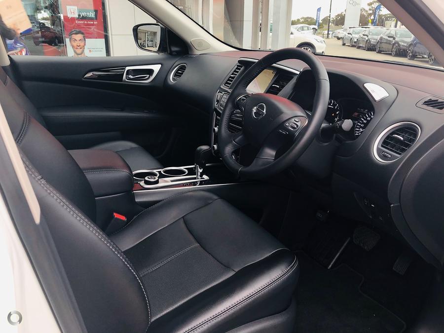 2019 Nissan Pathfinder ST-L