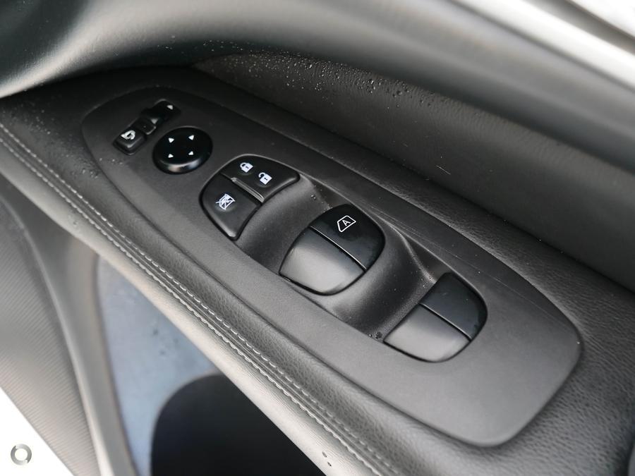 2018 Nissan Pathfinder ST-L R52 Series II