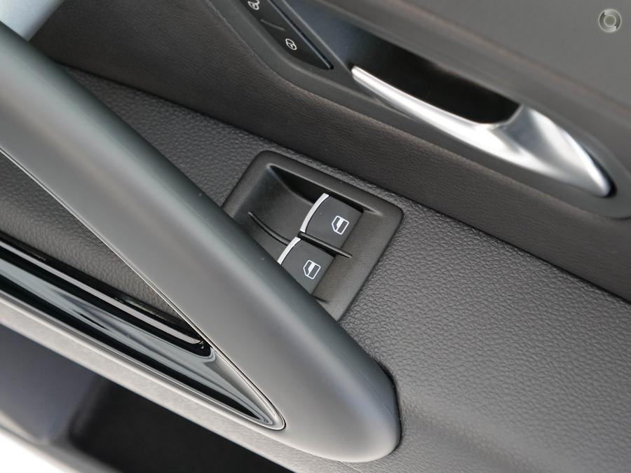 2016 Volkswagen Scirocco R Wolfsburg Edition 1S