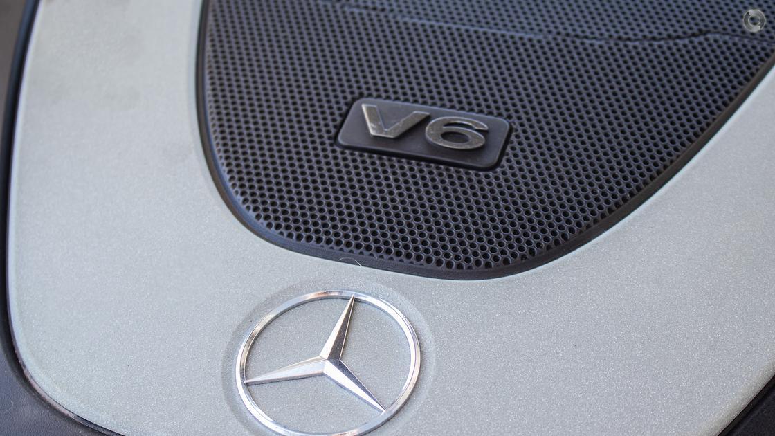 2009 Mercedes-Benz E 350 AVANTGARDE Sedan