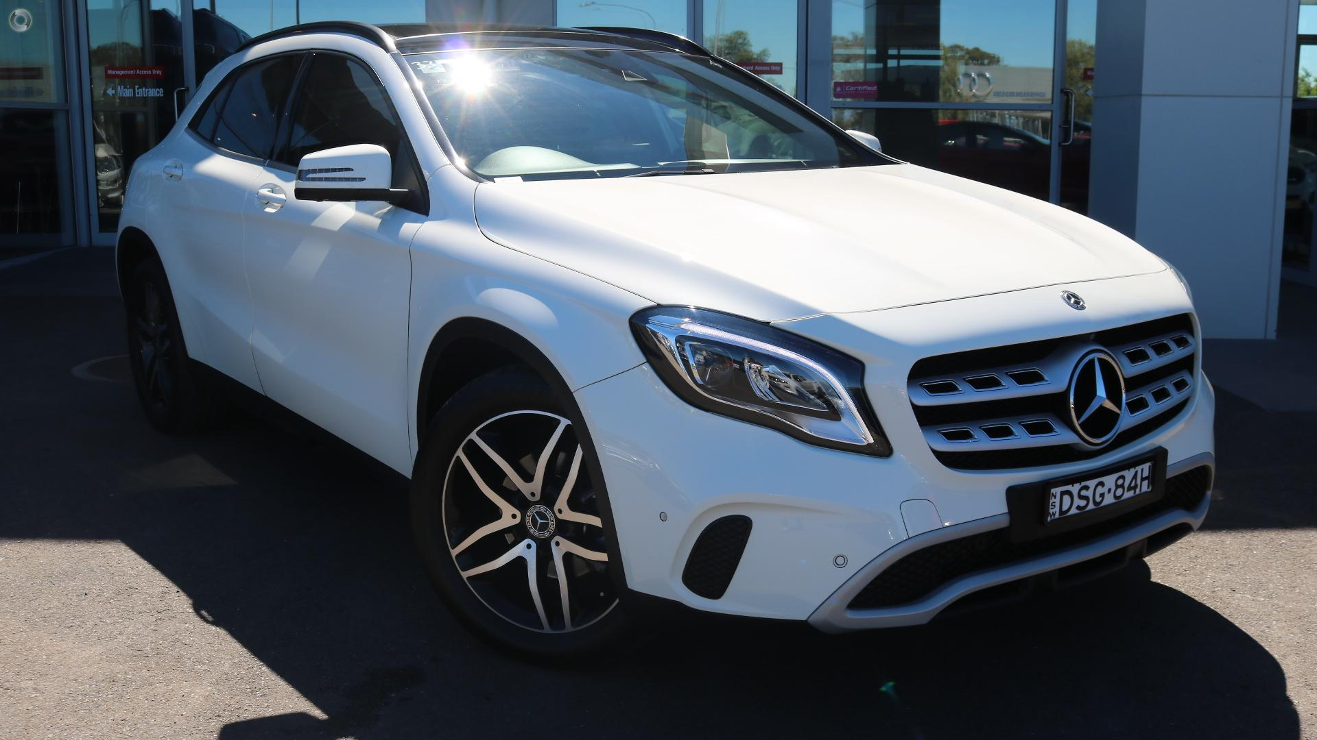 2017 Mercedes-benz Gla180  X156