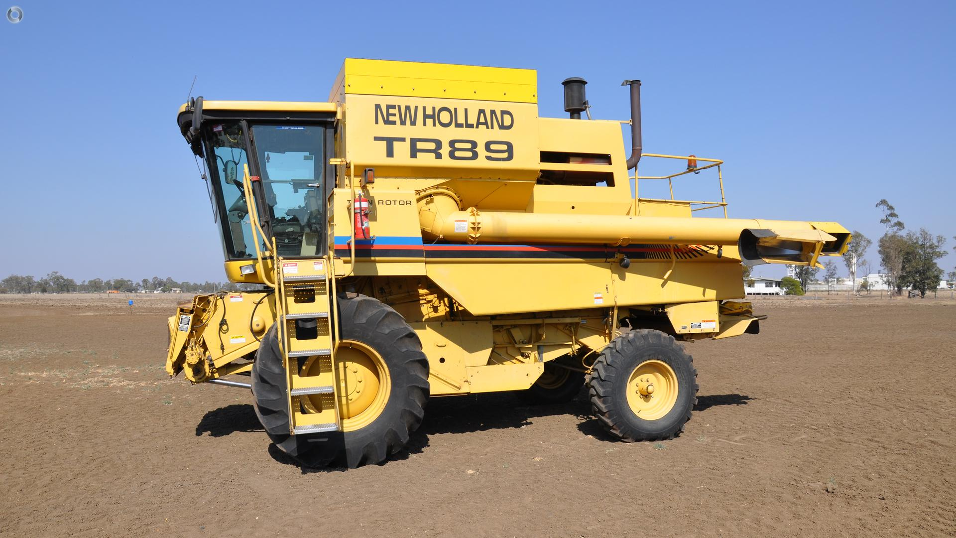 1999 New Holland TR89 Combine Harvester