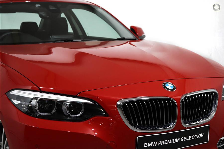 2019 BMW 220i Luxury Line