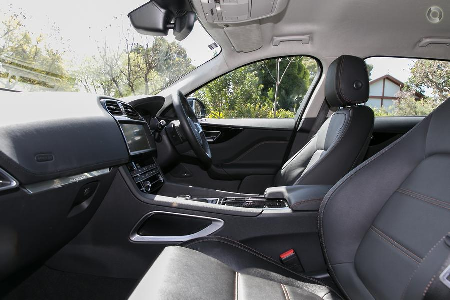 2019 Jaguar F-PACE 20d Prestige X761