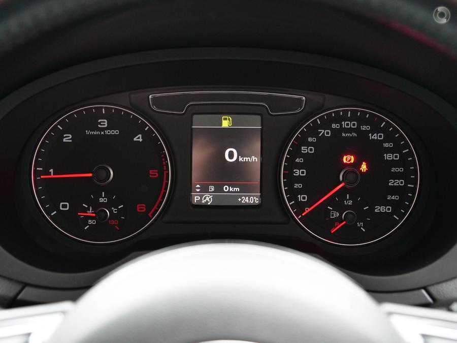 2015 Audi Q3 TDI Sport 8U