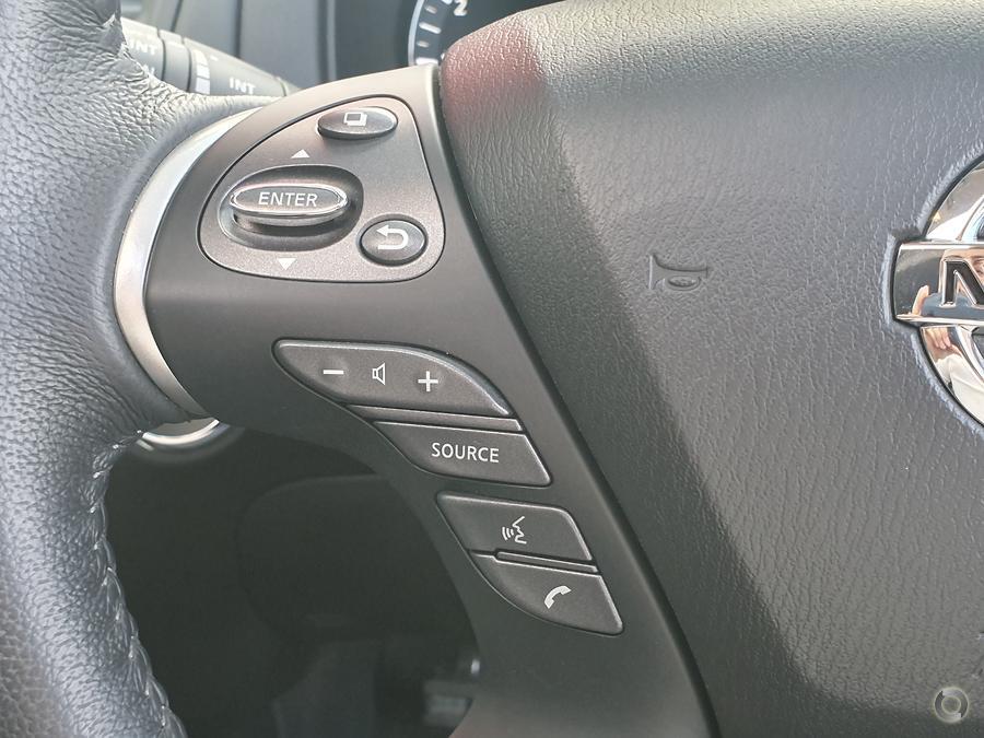 2018 Nissan Pathfinder ST-L