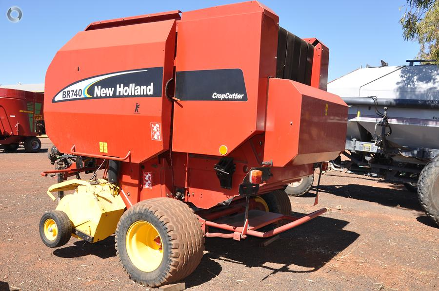 2004 New Holland BR740 Round Baler - McIntosh and Son
