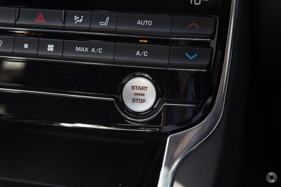 2018 Jaguar XE 25t R-Sport X760
