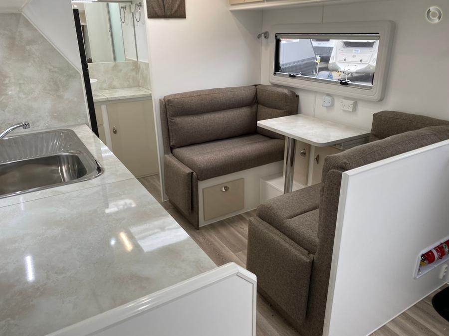 2019 JB Caravans Dirt Roader 18 6