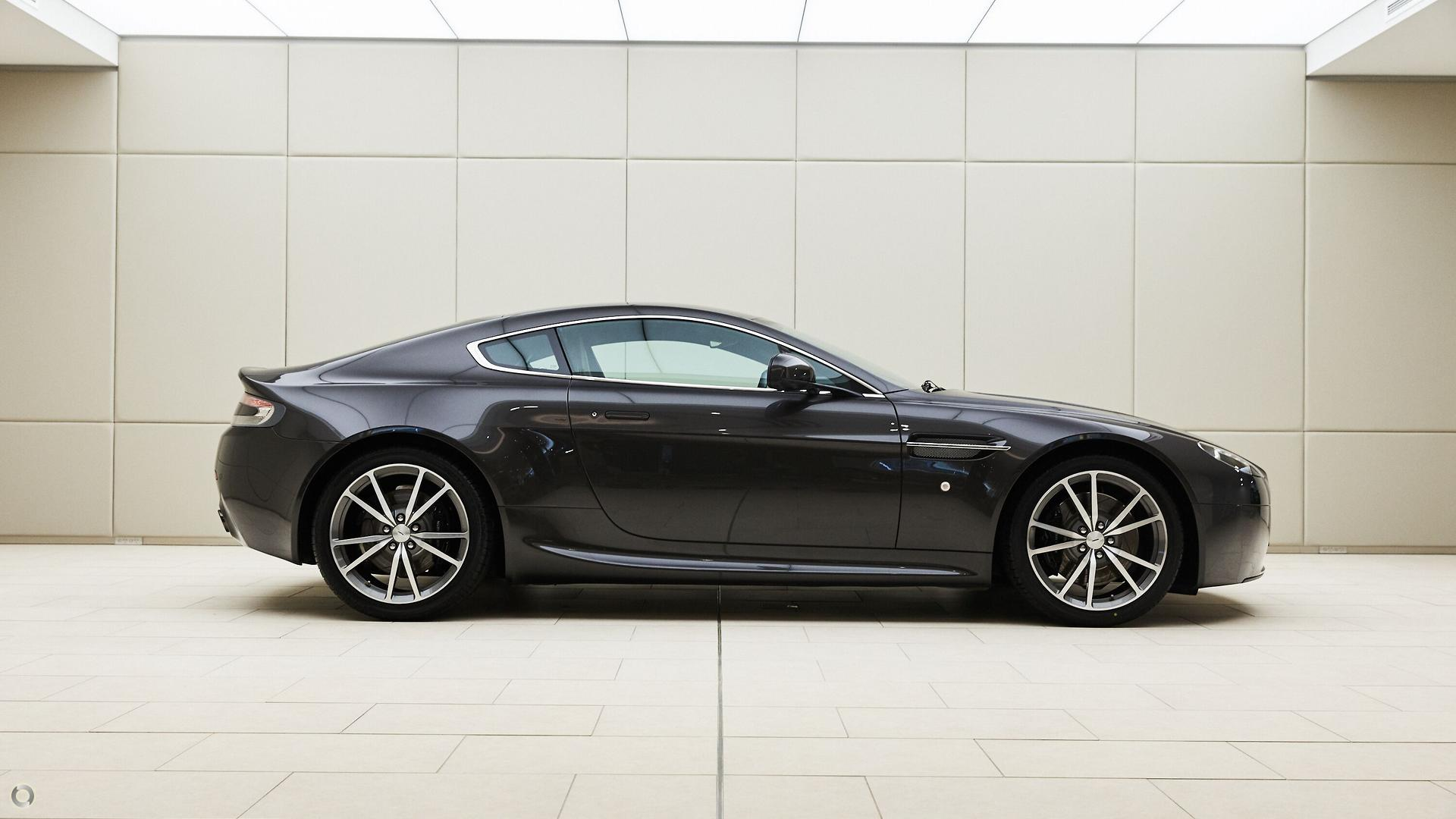 2010 Aston Martin V8 (No Series)