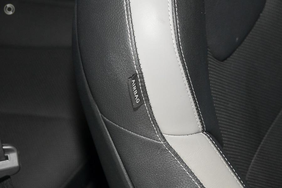2015 Hyundai Veloster SR Turbo FS4 Series II