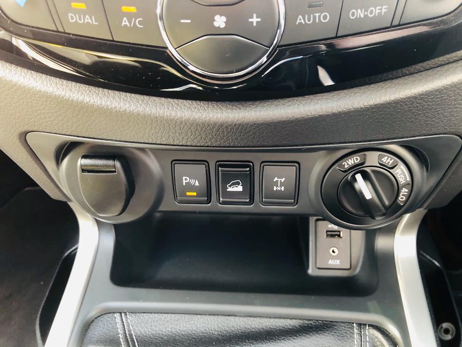 2019 Nissan Navara ST-X