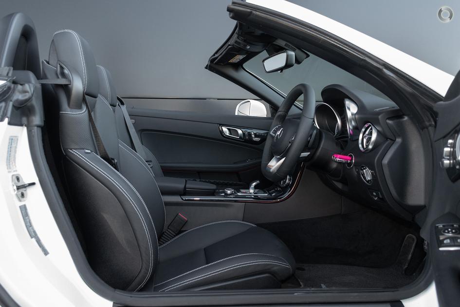 2019 Mercedes-Benz SLC 200 Roadster