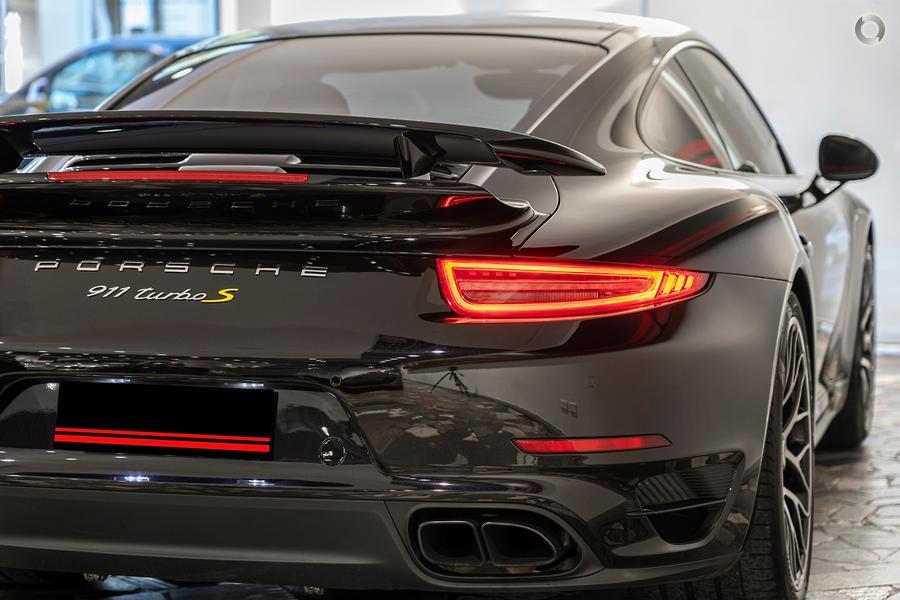 2015 Porsche 911 Turbo S 991