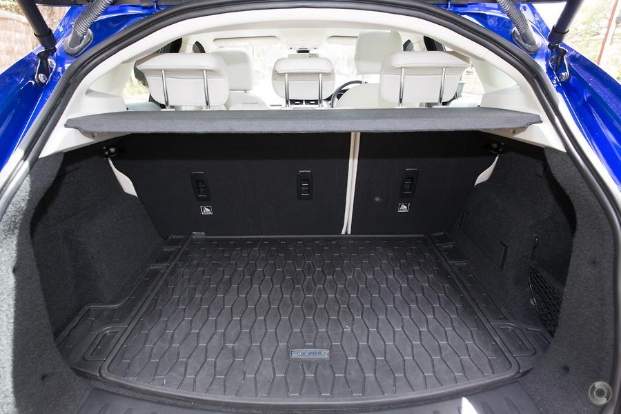 2018 Jaguar E-PACE P200 SE X540