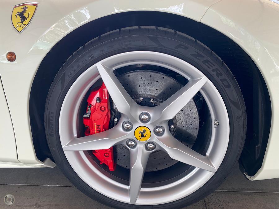 2018 Ferrari 488 Spider  F142
