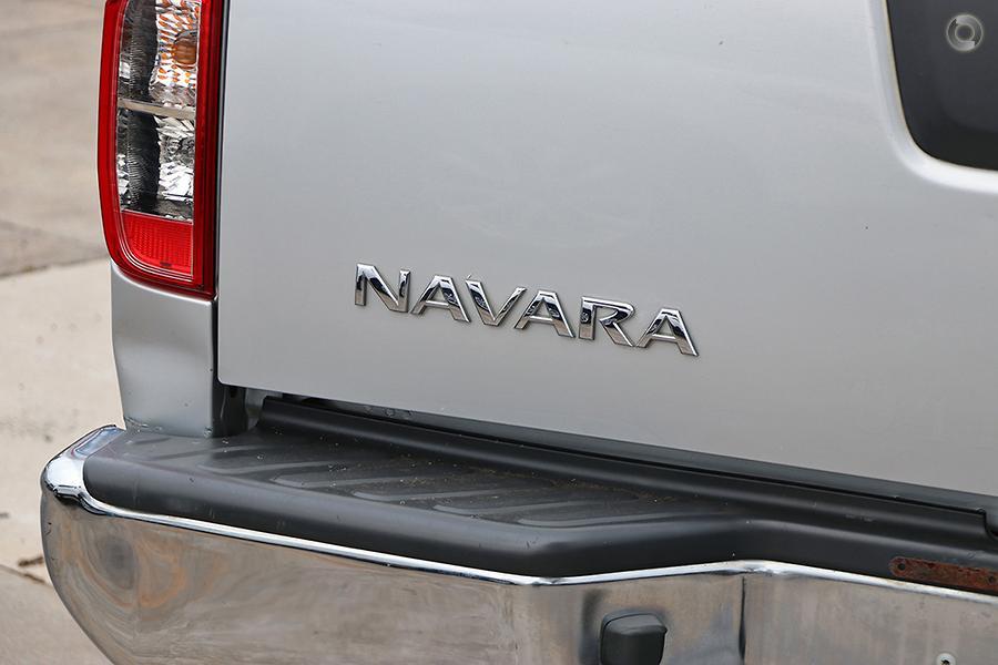 2011 Nissan Navara ST-X