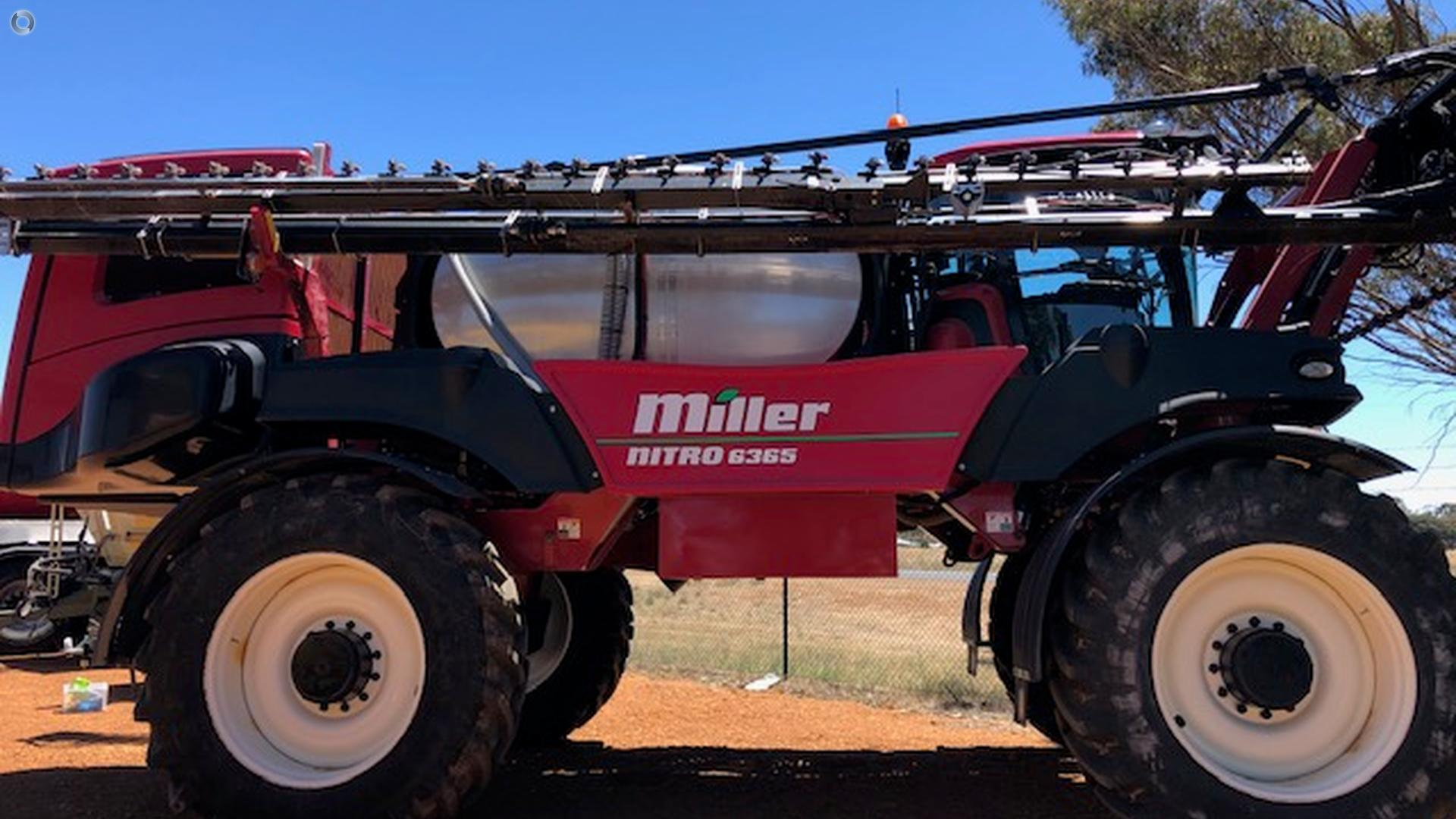 2015 Miller Nitro 6365 Sprayer