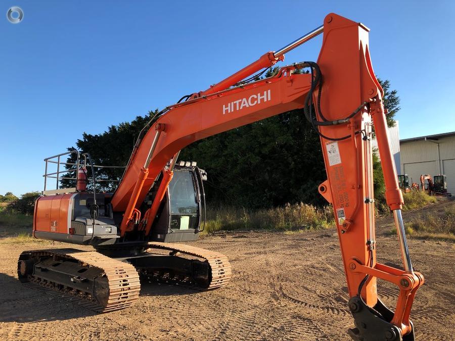 2012 Hitachi ZX200LC 3