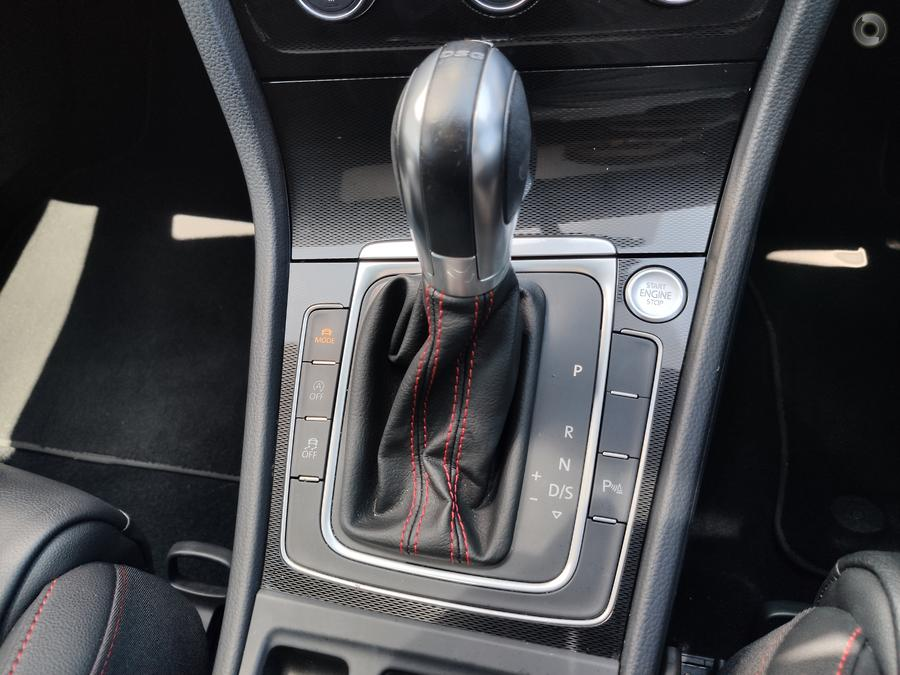 2016 Volkswagen Golf GTI 7