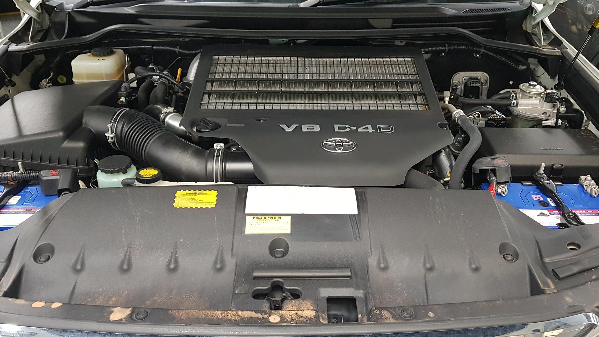 2013 Toyota Landcruiser Sahara VDJ200R