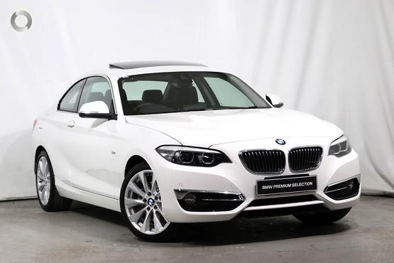 2018 BMW 230 i Luxury Line