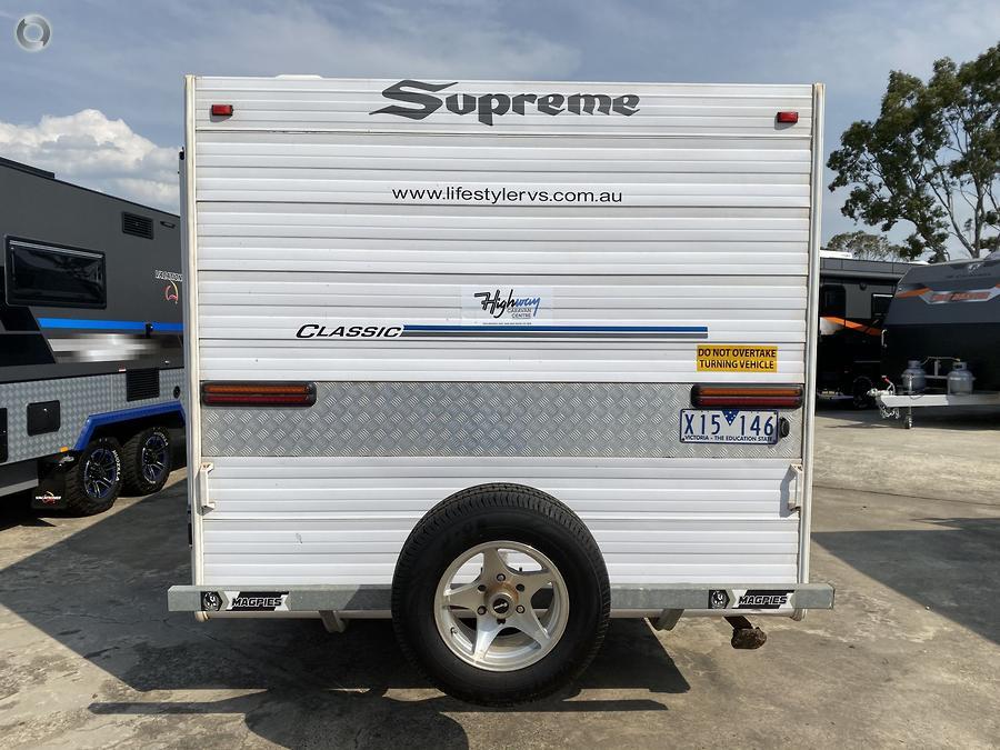2011 Supreme Classic 196