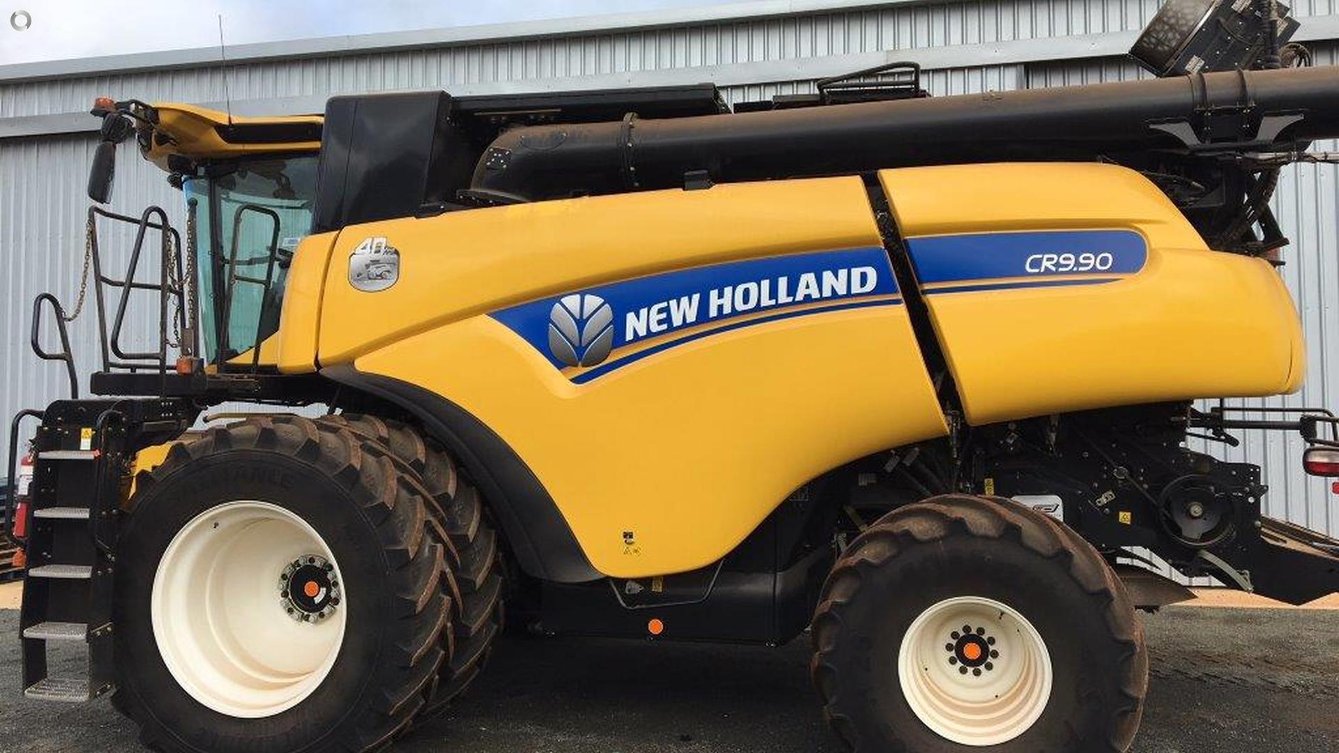 2016 New Holland CR9.90 Combine Harvester