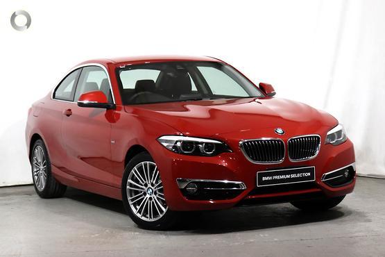 2019 BMW 220 i Luxury Line