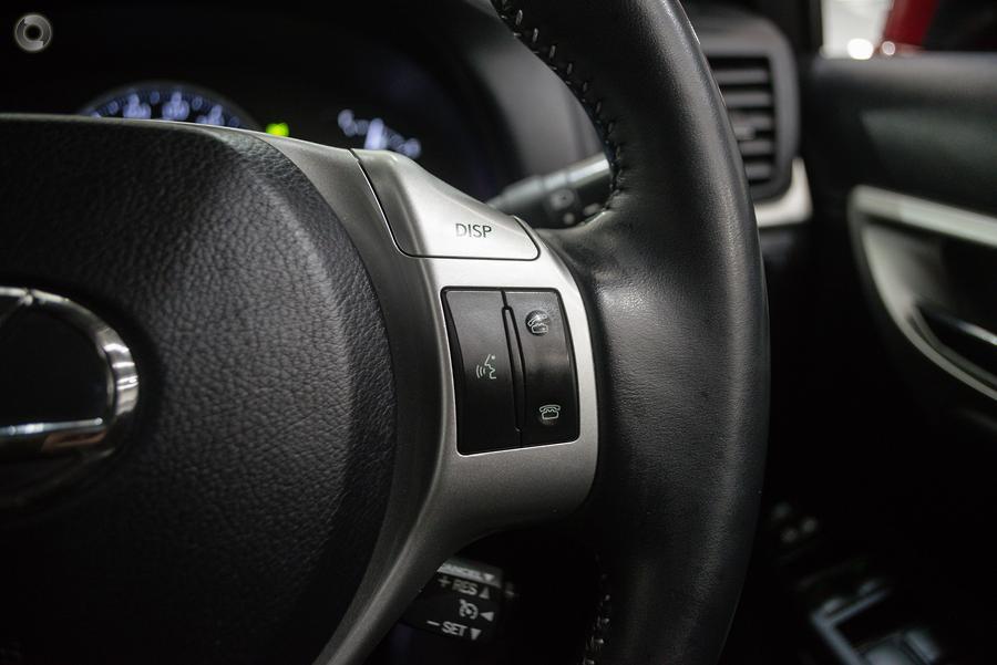 2011 Lexus CT200h Luxury ZWA10R